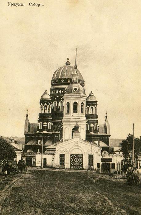 колокольня перед Троицким собором