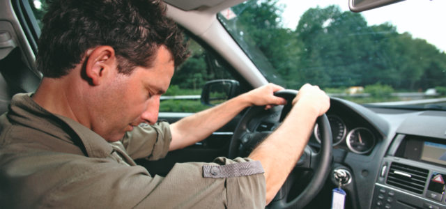 Как остановить машину, если водителю внезапно стало плохо