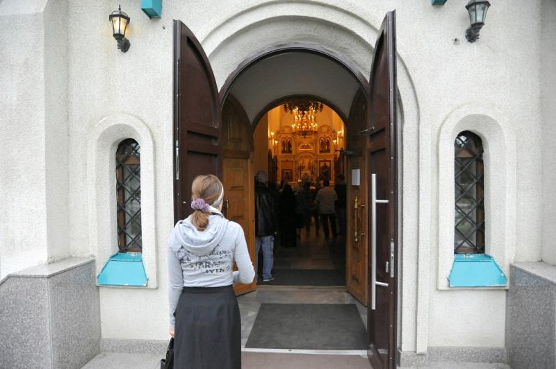 В каком виде и как правильно заходить в православный храм