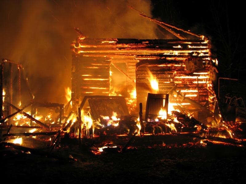 В селе Лудяна Нолинского района полностью сгорел дом