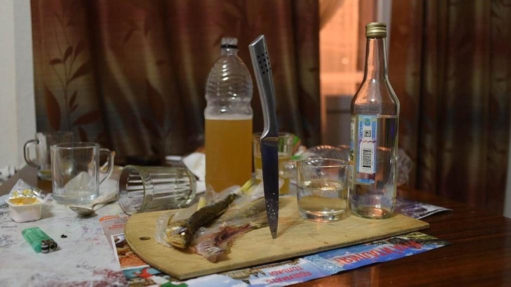 В Уржумском р-не женщина, отмечая день рождения, зарезала сожителя