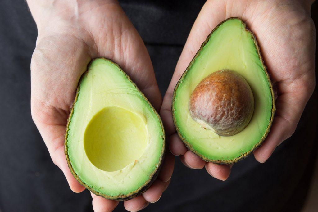 Авокадо - что это такое и с чем его едят