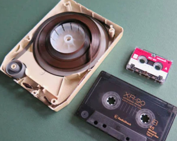 Целая история: Как появилась музыка в авто