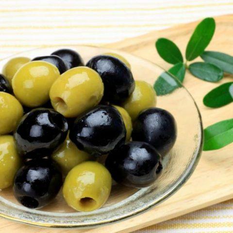 Чем маслины отличаются от оливок