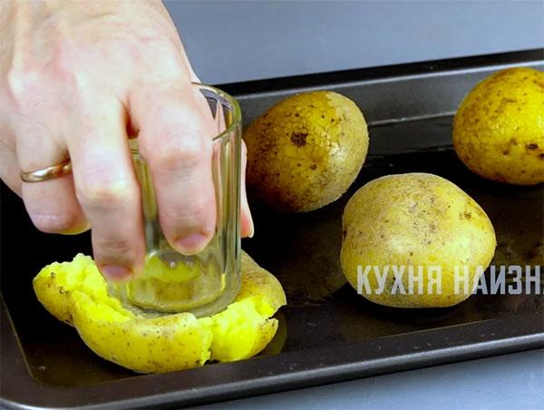 Как необычно подать простую картошку на стол + Фото