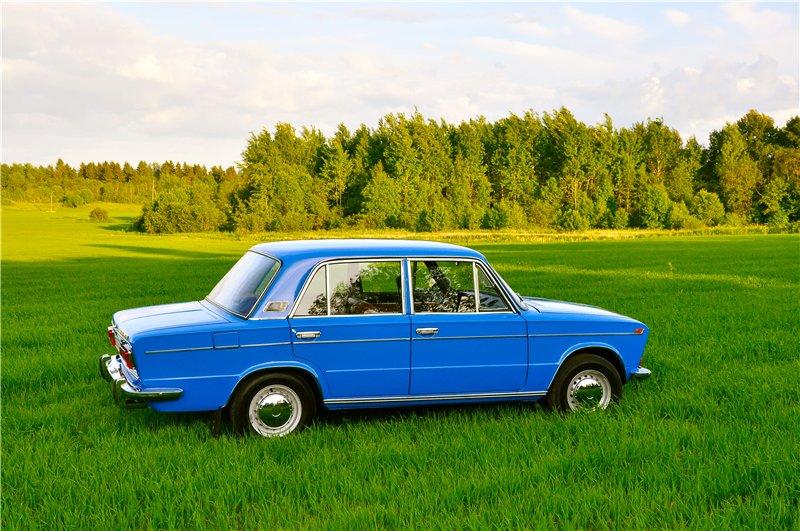 Какого цвета машины предпочитают жители Кировской обл.