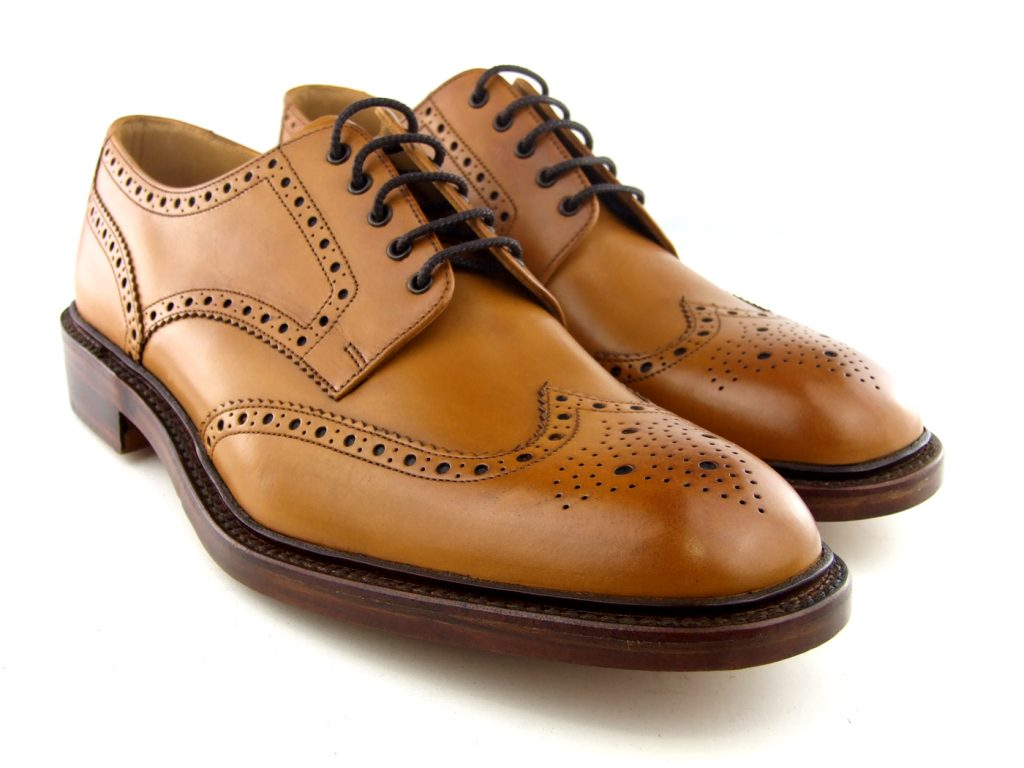 Зачем на мужских туфлях броги делают дырочки