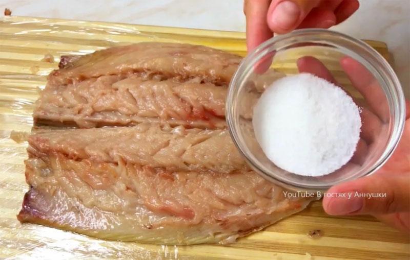 Рецепт из СССР: Малосольная скумбрия