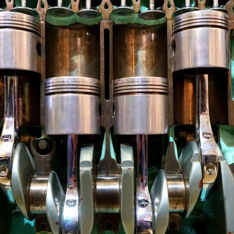 Названы вредные для двигателя автомобиля обороты