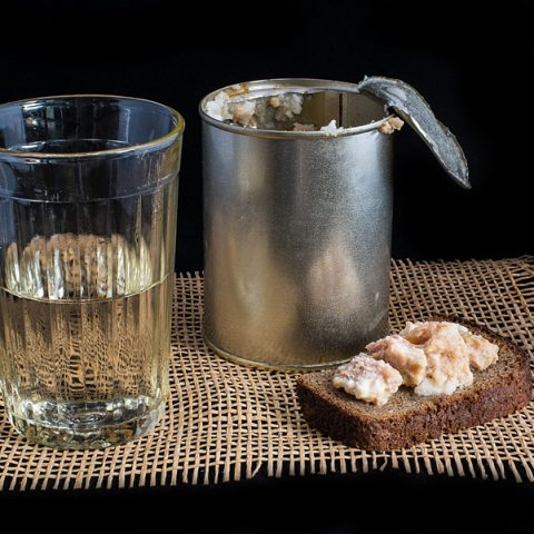 Про третий тост в традиции русского застолья