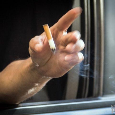 Как привлечь к ответственности за курение соседа набалконе