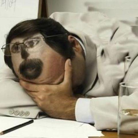 Назван самый популярный способ наладить проблему со сном